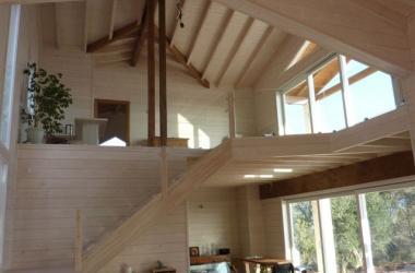 Ενεργειακές κατοικίες ξύλινα σπίτια hotel ξενώνες κατασκευή αμερικάνικου τύπου  timber frame wooden houses